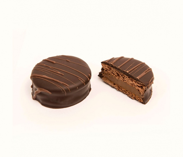 Dark Chocolate Alfajor 1